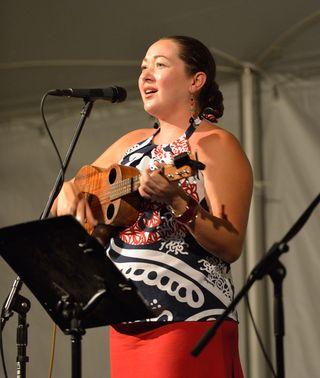 Big Island Singer 640
