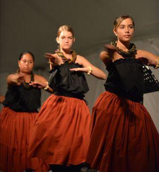 Hula dancers, Hawaii, 9 May 2012_edited-1
